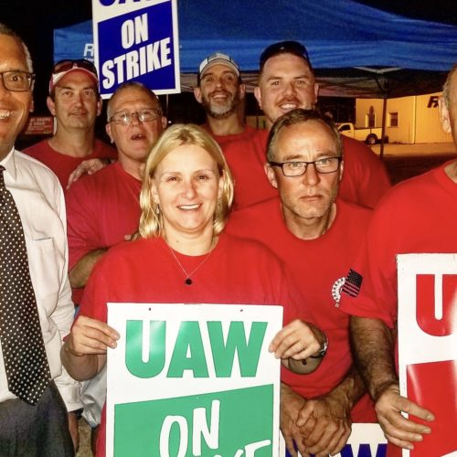 Dr. Woody Myers Visits Bedford GM Picket Line